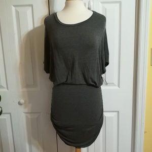 NWOT Lulu's gray open back midi dress
